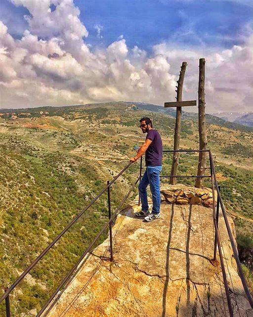 There were no mosquitos, only my thoughts.. 🙇🏿 lebanon hardine ... (Hardîne, Liban-Nord, Lebanon)