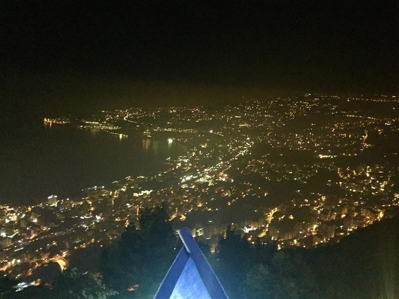 citybynight  positivity  vibes  livenow  instatravel  jouniehbay  jounieh... (Our Lady of Lebanon)