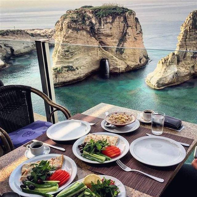 صباحكم_خير beautifulmorning LebaneseBreakfest lebanon ترويقة_لبنانية ... (روشة بيروت)