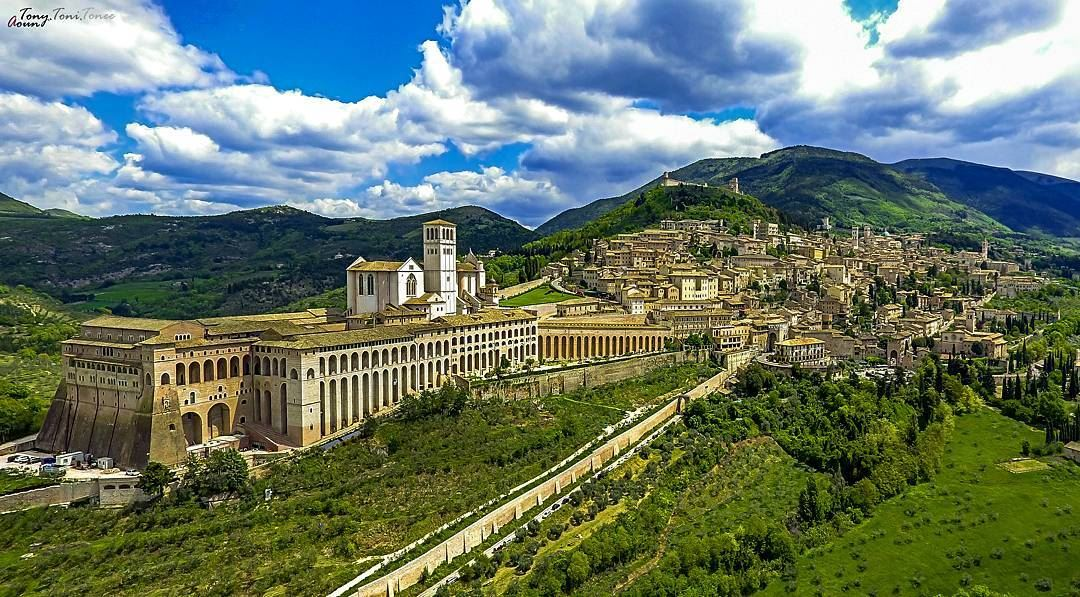 We keep lot of memories from places we visit but some of them leave a part... (Assisi, Italy)
