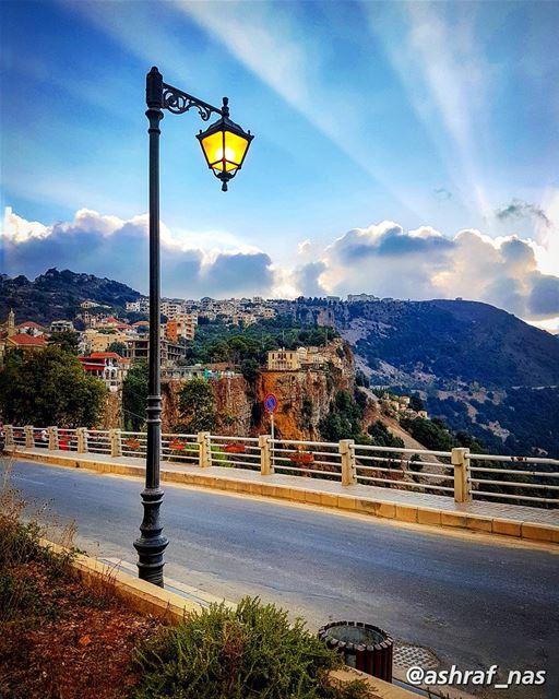 لا تخف إن تأخر قلبي عليكأنا ما أضعتُ السبيلا...ولكنني في الطريق إليكوجدت (Jezzîne, Al Janub, Lebanon)