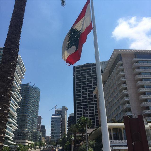 buildings flag lebanon lebanon_hdr livelovelebanon beirut ... (Beirut, Lebanon)