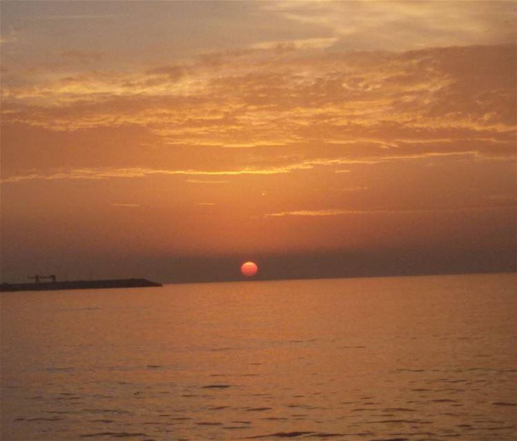 tb fading sun sunset sea sky orange clouds colors Beautiful ...