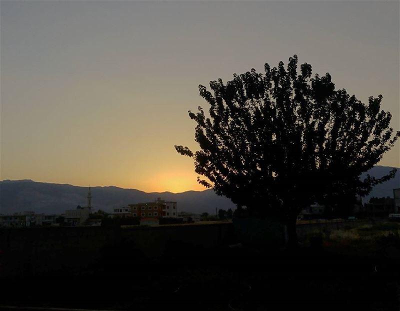 シAweSomeNesSツ 💜 aWeSoMeNeSs ☀ sunset mountain myshot myphotograph...
