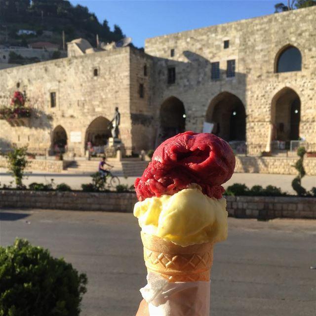 Italian ice cream in Deir El Kamar, why not? 🍦🍦 specialmadamefigaro ... (Municipalité Deir El Kamar / بلدية دير القمر)