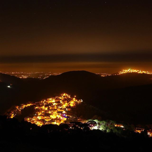 calmnight ..... night nightphotography nightshot landscape... (Haïtoura, Al Janub, Lebanon)