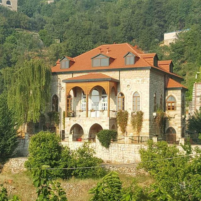 Dlebta, a jewel at the heart of Keserwan 🏡 🏡 dlebta keserwan Lebanon... (Dlebta, Mont-Liban, Lebanon)