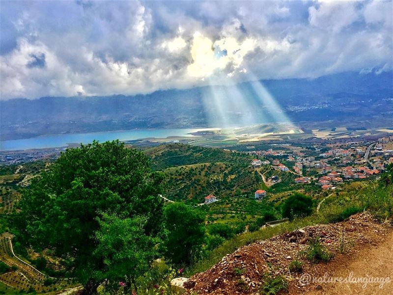 Beautiful scenery of Qaraaoun lake. It is these moments that make... (Lala, Béqaa, Lebanon)