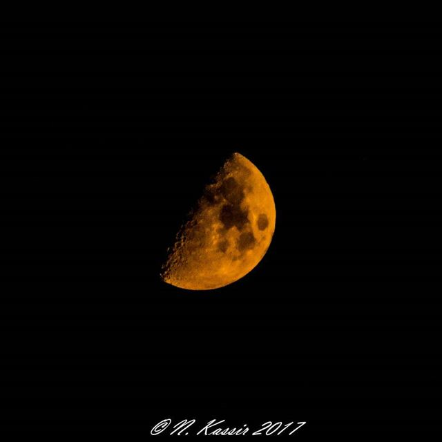 orange moon Beirut Lebanon ig_great_shots_me bd_shotz ... (Sinn Al Fil, Mont-Liban, Lebanon)