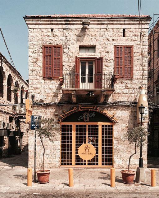 Zeit Zeit 🏠 @zeitboulos Beirut architecture old iamatraveler....-... (Joünié)