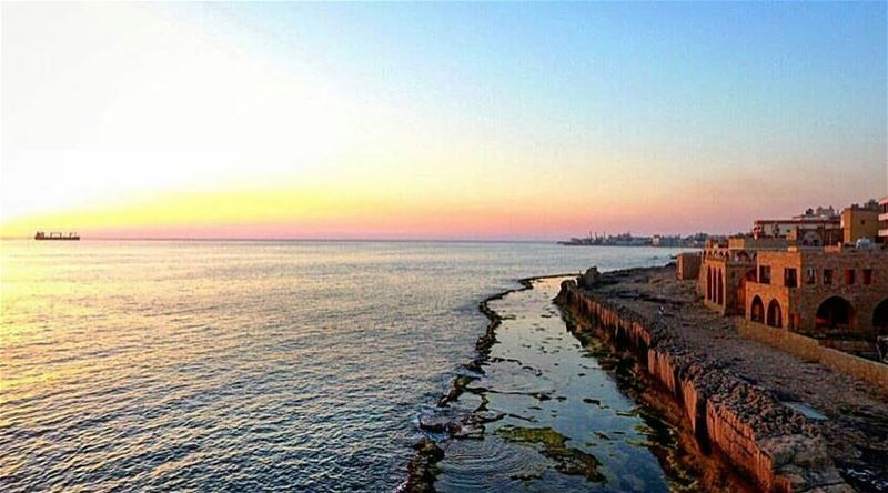 batroun sunset phoenician wall mediterranean sea mediterraneansea ... (Phoenicien Wall)