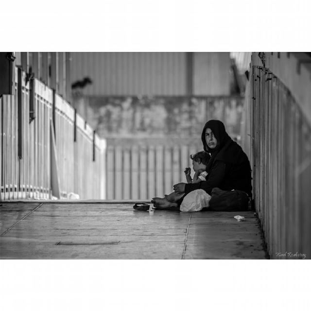 bnw  blackandwhite  street  photography  woman  child  bridge  people ...