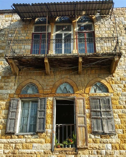 Old beauty. 🏡  broumana  home  oldhouse  lebanonhouses  Lebanon  metn ...