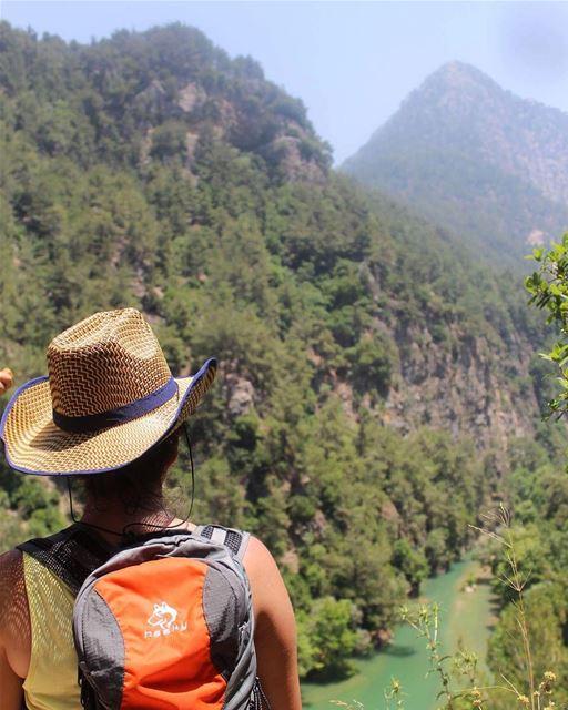 hikingadventures hiker lebaneseviews mountains lebanon whatsuplebanon ... (Chouwen)