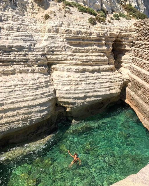 Will you jump already 😎! triptothesouth clearseawater naqoura ... (Bayadah, Al Janub, Lebanon)