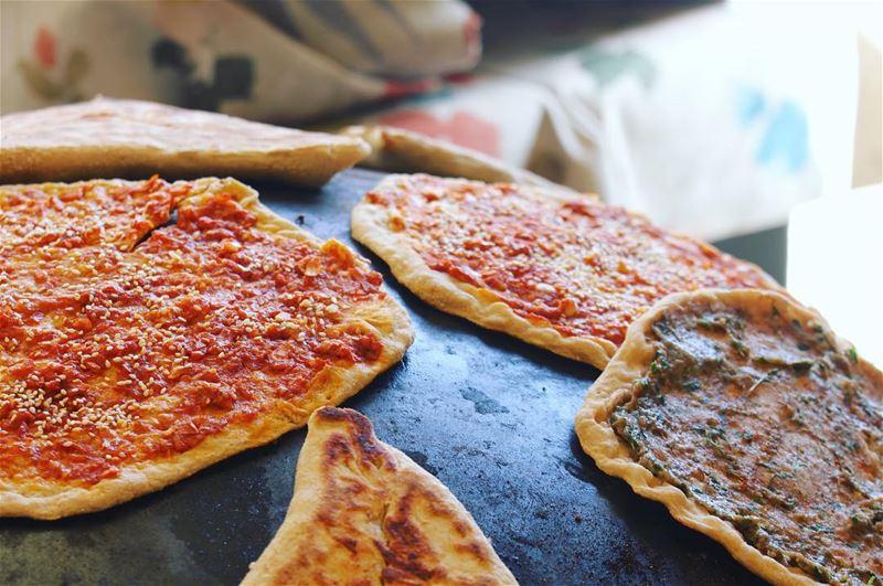Best mana'oushi ever? Guess the topping! Breakfast in AinZhalta Stage1... (Aïn Zhalta, Mont-Liban, Lebanon)