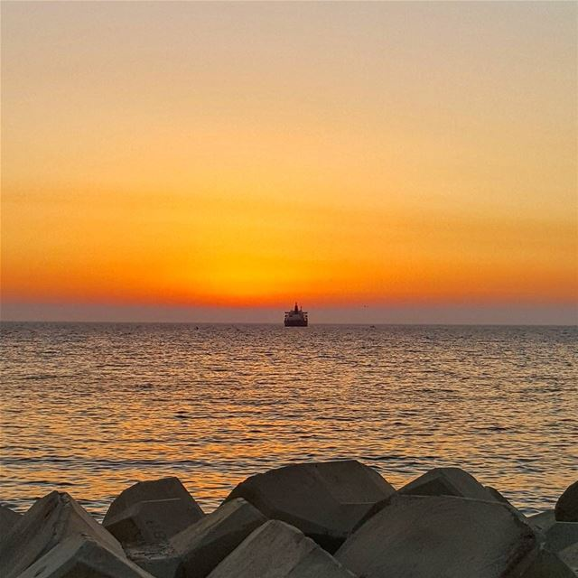 ☀ 💛💛💛 sunset dusk seaside Beirut Lebanon lebanesecoast beauty ...