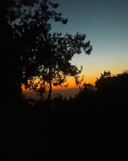 غروب شمس رائع ... 😍.... welcometolebanon🇱🇧 ourlovelylebanon ...