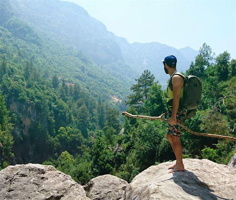 Finally tried barefoot hiking 😁 vsco ... (Janné, Mont-Liban, Lebanon)