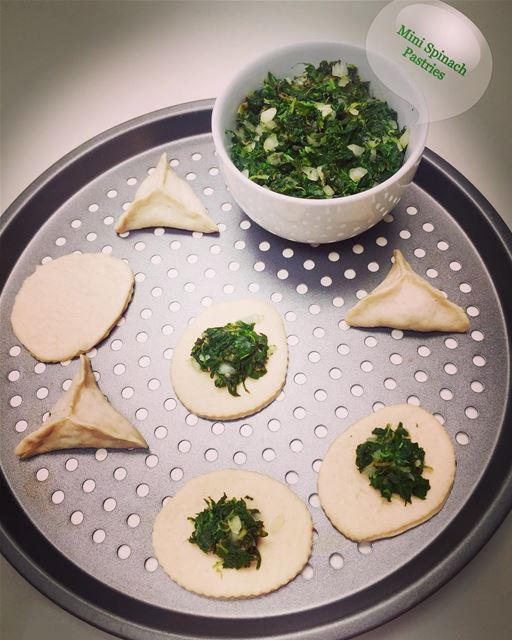 Mini yummy fresh spinach pastries filled with fresh spinach ,onions and...