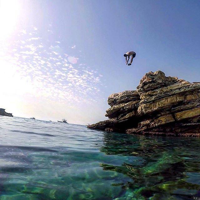 JUMP @livelove.batroun by @khoury_albert (Batroûn)