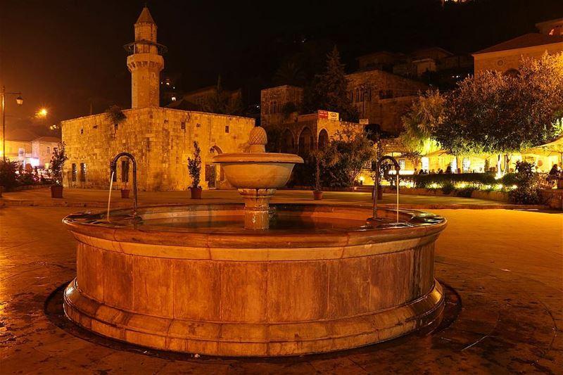 🌃✨.... night nightphotography nightshot landscape... (Dayr Al Qamar, Mont-Liban, Lebanon)
