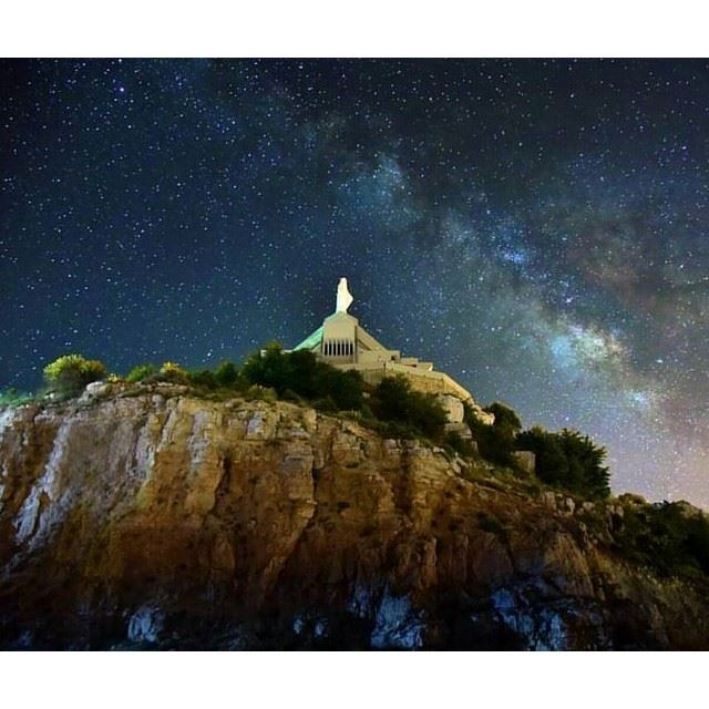 @liveloveehden magical night sky by @renemawadphotography (Ehden, Lebanon)