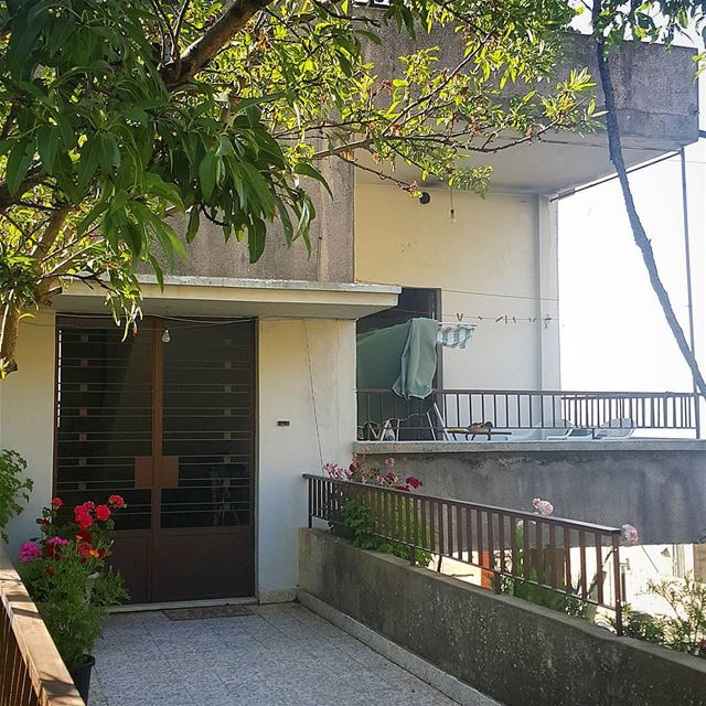 It's not how big and luxury the house is ... Home it's a feeling 🏡💚 ... (Chouaya, Mont-Liban, Lebanon)