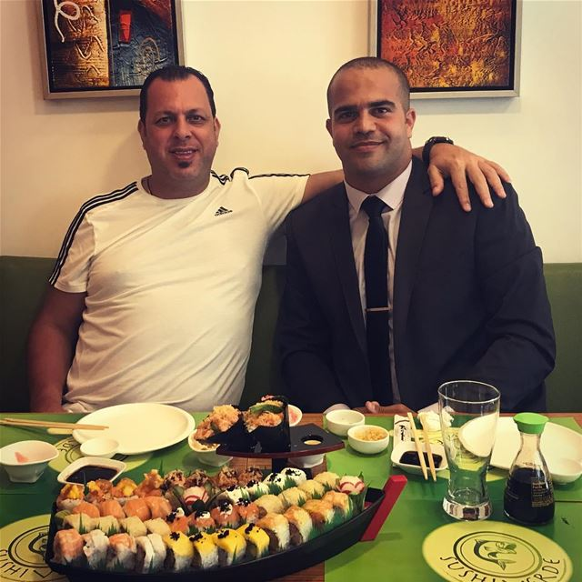 Ø ابا علي Ø💪🏼 Im so proud of you doctor ❤️❤️ sushi lunch sushilunch ... (Mansourieh)