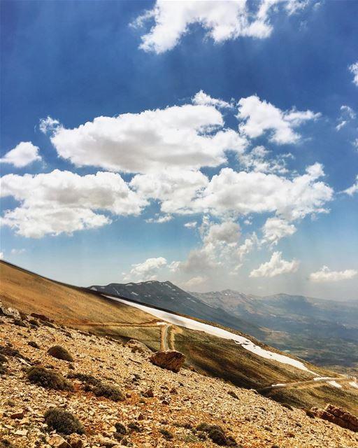 lebanon nature sunday instagood wanderlust travelgram welltraveled ... (Bcharré, Liban-Nord, Lebanon)