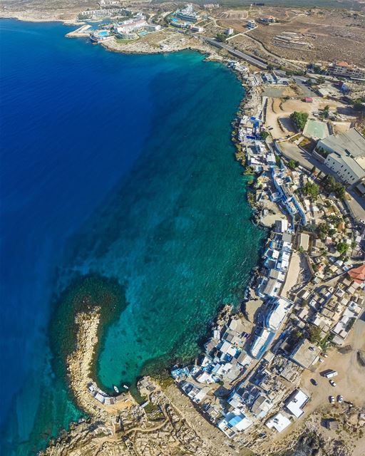 Um dos melhores destinos de verão no Líbano: Anfeh! Foto de @joe.sokhn 🇱🇧 (Anfeh, Lebanon)