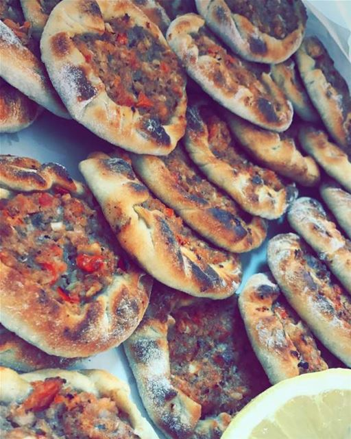 lahmbaajin 😍 lebanese_in_sweden livelovelebanon livelovebeirut ...