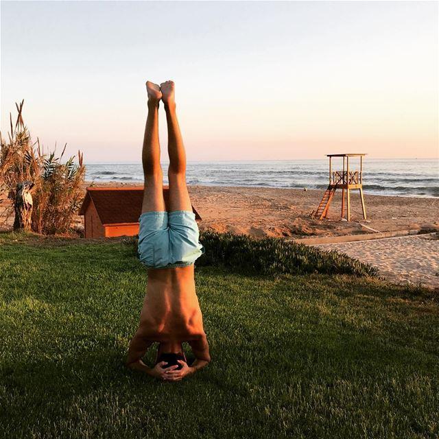 plagedesrois beach sunset jbeil lebanon headstand ... (Byblos - Jbeil)