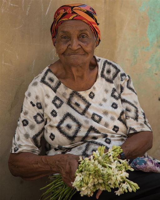 It takes flowers to print satisfaction... cuba havana nikon ...