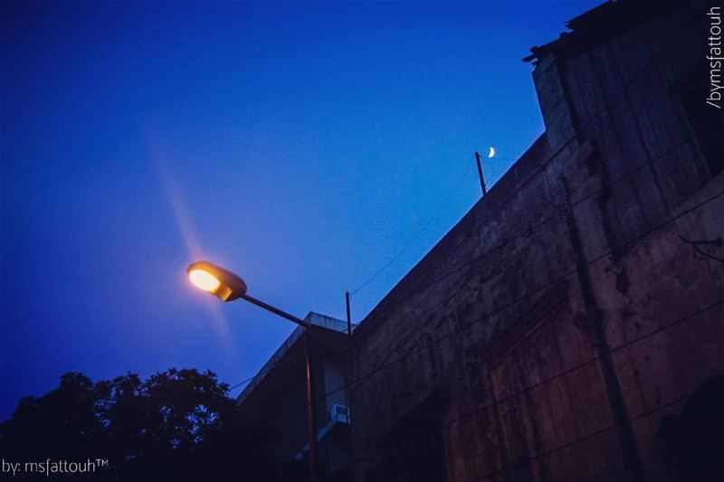 """""""The sun is gone, but I have a light."""" - Kurt Cobain goodnight friday ..."""