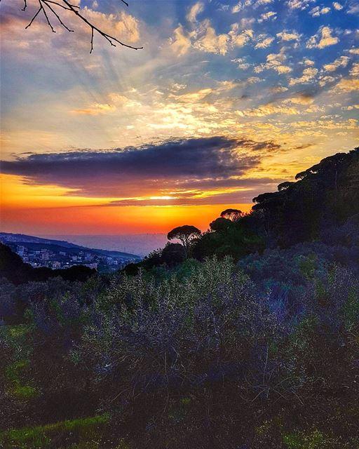 A breathtaking sunset sunset sunset_madness ig_sunset sunset_hub ... (Mar Chaaya Broumana)