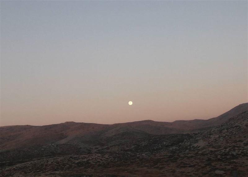 MOON ❤❤ hiking under the moon yesterday Beautiful breeze nofilter ... (Mzaar Kfardebian)