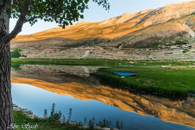 Lebanon ouyounorghosh sunrise reflection ig_lebanon insta_lebanon ... (3youn Orghosh)