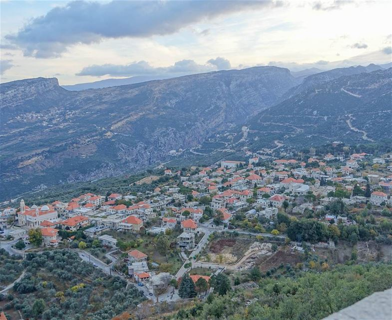 Good morning Douma! (Douma, Liban-Nord, Lebanon)