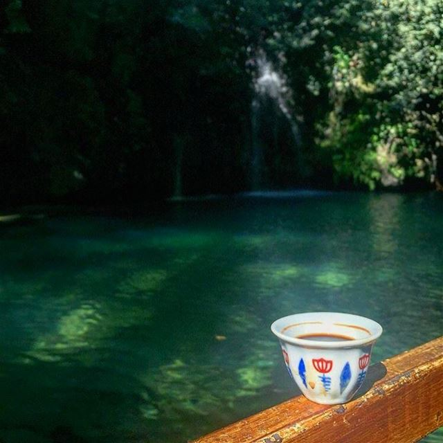 A morning coffee by the river ☕️☕️☕️Photo by : @ruelulu ..... (شلالات الزرقاء -بعقلين)