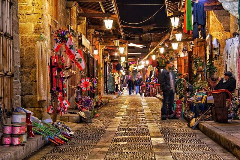 Some things are best left a blur! byblos livelovebyblos jbeil ... (Byblos, Lebanon)