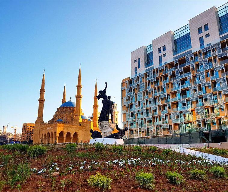 Hotttaaa afternoon❤❤❤ summertime summerinlebanon mosque statue ...