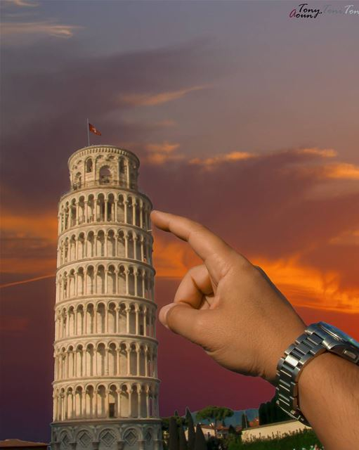 It's FIXED!!! Pisa tour is straight again, worry no more 😏 sometimes... (Pisa, Tuscany, Italy)
