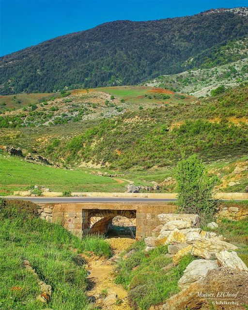 Small old bridge - Maaser el Chouf-------------------------------------... (Maasser Ech Chouf, Béqaa, Lebanon)