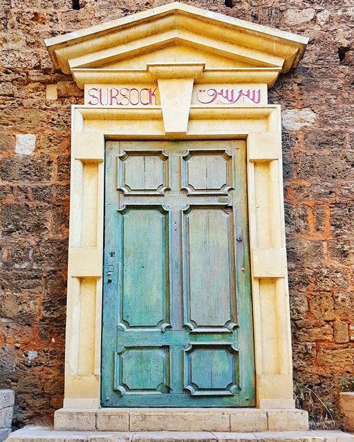 Is it weird that I'm so in love with this door? 💙😊💙... (Gemmayze)