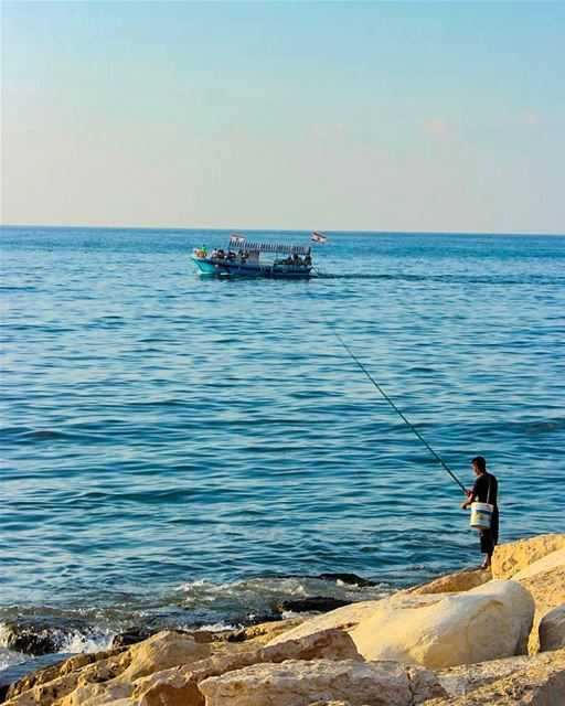 the sea hath fish for every man 🐟🌊......... canon  canon700d ... (Lebanon)