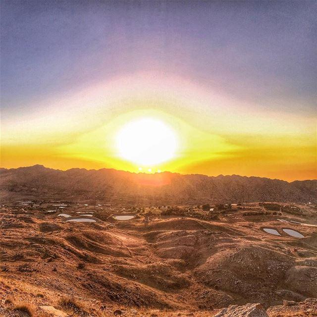 The eye of the sun ... LiveLoveLaklouk Sun Mountains Sky High ... (Jabal el Laqloûq)