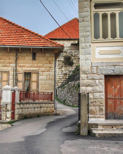 Old houses have souls... douma lebanon ig_lebanon livelovelebanon ...
