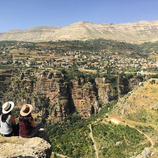 On the edge @livelovebcharre @livelovecedars by @catkhoury during our @livelovetours of Lebanon (Bsharri, Lebanon)