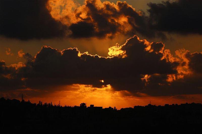 sunsetlovers 🌅.... sunset sunsetporn sunsetpics landscape... (Nabatîyé)